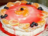 Бисквитный торт с творожной прослойкой и желе
