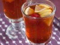 Имбирный чай с клубникой