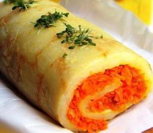 Картофельный рулет с морковью