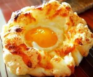 Яйца в пуховом гнезде