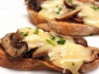 Бутерброды с грибами и сыром