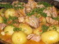 Мясо с овощами и молодым картофелем