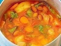 Овощной суп с фасолью и беконом
