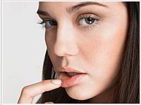 Простуда на губах — лечим сами дома