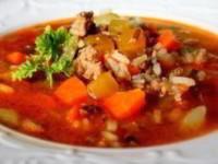 Вкусный суп из говядины, овощей и риса