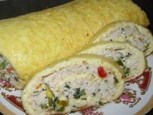 Сырно яичный рулет с куриным фаршем