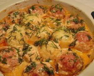 Котлеты с картошкой в соусе