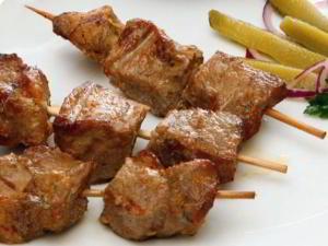 Шашлык из свинины в белом вине, шашлык из свинины с зеленью