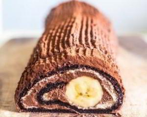 Бананово-шоколадный рулет за 15 минут