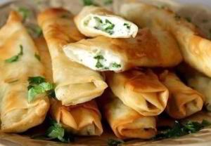 Вкусные, поджаристые трубочки с сыром и зеленью