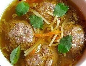 Вермишелевый суп с гречневыми фрикадельками