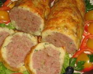 рецепт Мясной рулет в сырно-картофельной оболочке