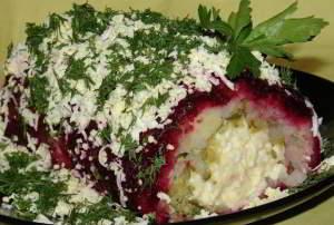 рецепт Салат с копченым сыром