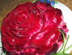Селедочный салат «Пурпурная роза»