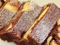 рецепт Шоколадный манник с карамельными яблоками