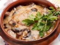 рецепт Пельмени в горшочке по-царски