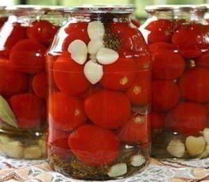 рецепт Помидоры в загадочном маринаде - с водочкой