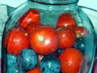 Помидоры с синими сливами - рецепты на зиму