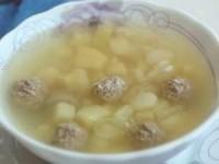 Легкий суп с фрикадельками и фасолью