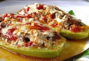 рецепт Кабачки с грибной начинкой