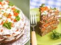 рецепт Печеночный торт со сметанным соусом