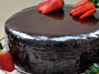 рецепт Шоколадно-цитрусовый торт с клубничным муссом