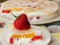 Легкий творожный десерт с фруктами