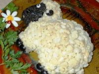 Новогодний салат ОВЕЧКА