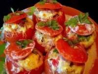 Помидоры, фаршированные мясным салатом