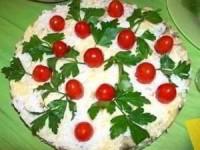 Салатик с курочкой и грибами «Новогодний тортик»