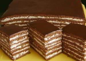 Торт медово-шоколадный с орехами