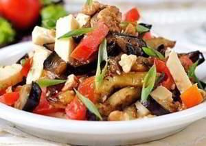 Яркий овощной салатик