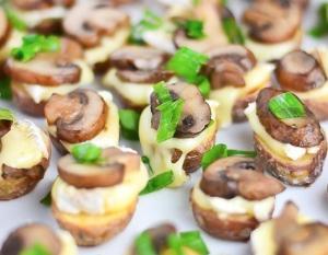 Закуска из картофеля, сыра и грибов - новогодние рецепты