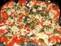 Куриное филе, запечённое с помидорами