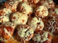 Куриные тефтельки в томатно-сливочном соусе под сыром