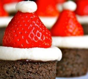 """Новогодние пирожные """"Шапка Деда Мороза"""" - новогодние рецепты"""