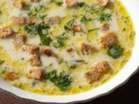 Суп из сыра стилтон с пармезановыми гренками
