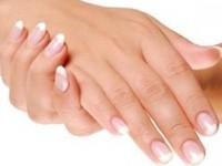 Мазь от трещин на руках (с омолаживающим эффектом)