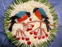 Новогодний салат Снегири