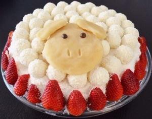 Новогодний торт «Овечка» с «Рафаэлло»