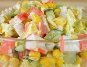 Салат из крабовых палочек вкусный