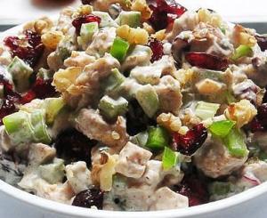 Салат из курицы праздничный
