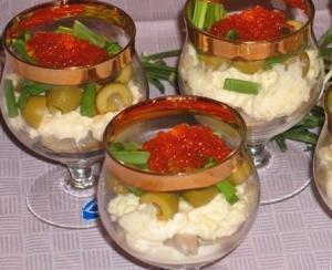 Салат норвежский с сельдью