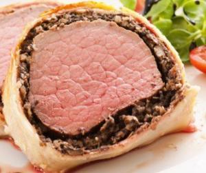 Свинина запеченная с грибами в тесте