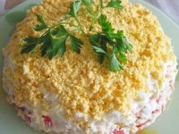 Слоеный рыбный салат без майонеза