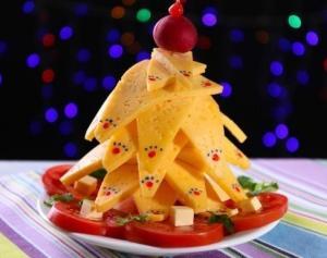Сырная ёлочка - новогодние рецепты