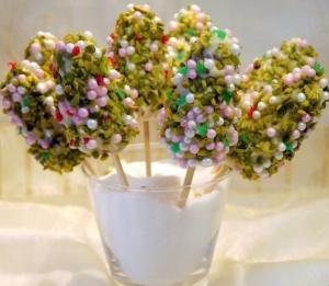 """Cake-pops или пирожные-крошки на ножке """"Рождественская ёлочка"""""""