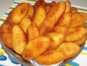 Жаренные творожные пирожки