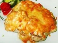 Запеченная курица с грибами, помидорами, сыром и йогуртом