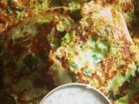 Кабачковые оладьи с зеленью и моцареллой